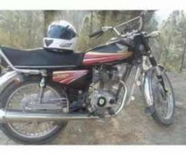 Honda 125.I'm selling my lovely Honda 125 black dashing good condition