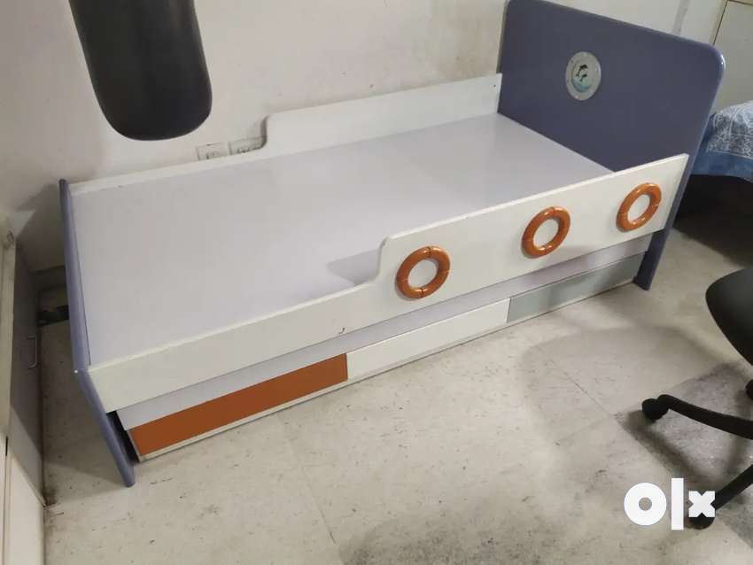 Ocean theme trundle bed with storage