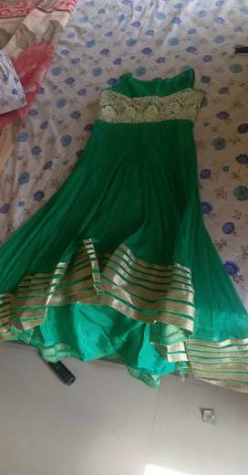 I want to sell ny dress which is beautifull nd have purchased in 2500