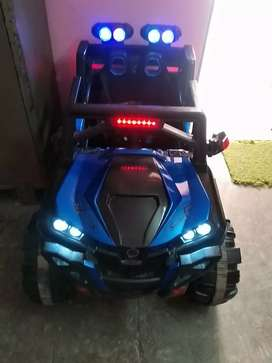 Toy car 1to5 year mint condition