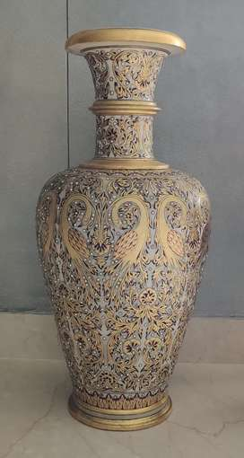 Big Luxurious Vase - Gold plated