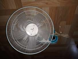 Wall fan Havell's make