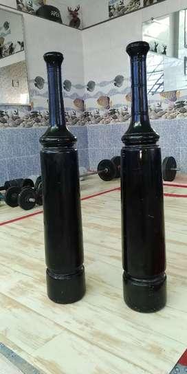 Home gym मुददल अखाडे के 8किलो+8किलो कालिये कि लकडी के बने है किमत 6000