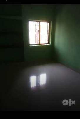 2 bhk flat available for family