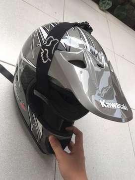 Helm kawasaki klx