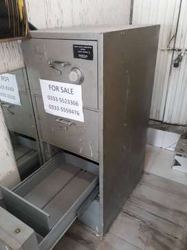 DIEBOLD SAFE locker for urgent sale