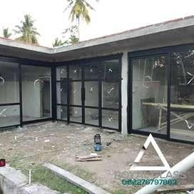 Pintu kaca dan kusen aluminium kaca