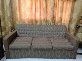 5 seater sofa Rs. 38000