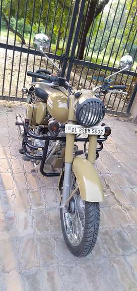 Royal Enfield bullet classic year 2016 3100kms