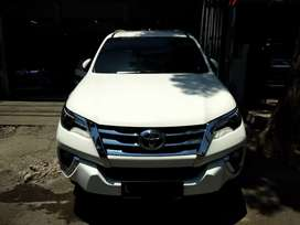 Toyota Fortuner vrz diesel matic 2016 putih istimewa bisa kredit
