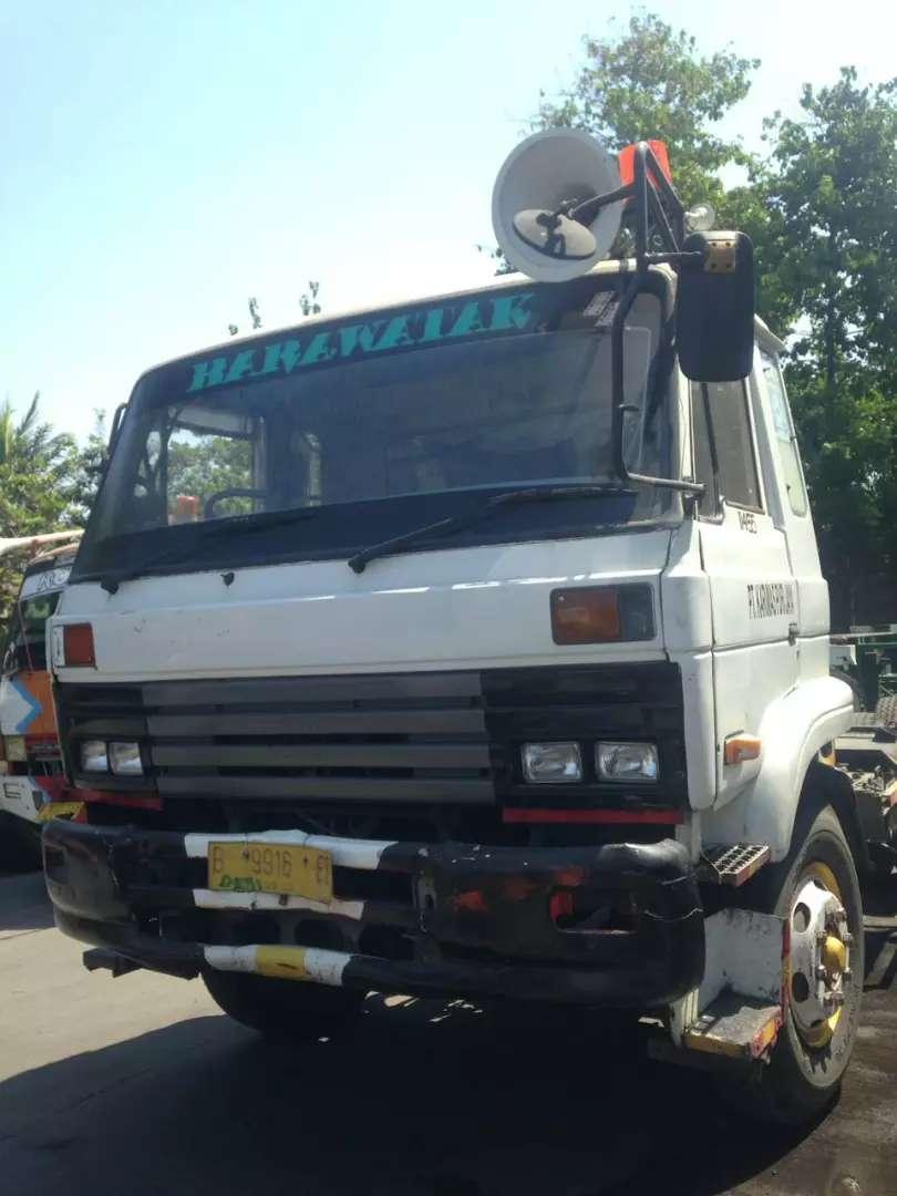 Juak Nissan convoy cwm430 tractor head trailer 0