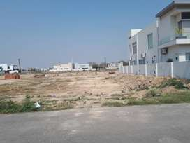 Owner Needy Dha Phase 7 Block U Near Park For Sale
