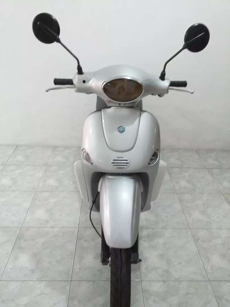 Vespa Liberty 150 cc italy. Silver.