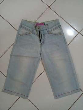 Jeans selutut untuk kids
