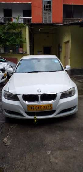 I GIVE LUXURY CARS / BUSES FOR HIRE / RENT
