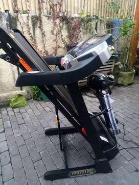 Treadmill i5 fitur lengkap berkualitas