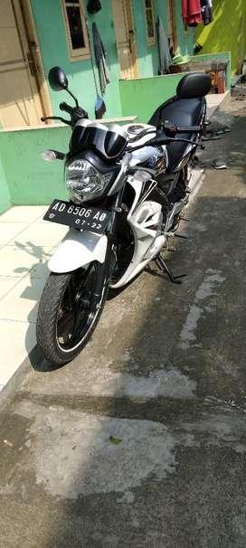 Yamaha vixion putih 2011