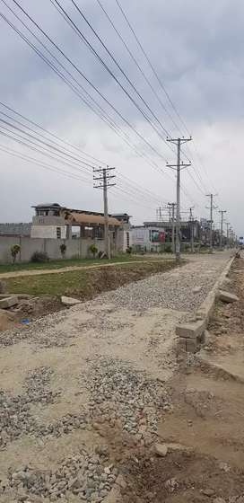G.T road next to D.C gate gujranwala plaza for rent