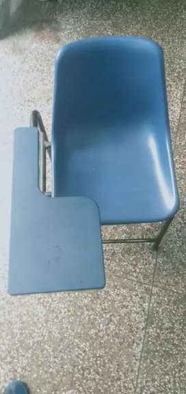 Study chair with handrest