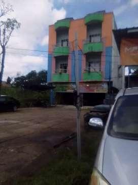 Dijual tanah beserta bangunan lebar 12 panjang 100 sebrang q maal bjb