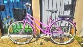 Sepeda Unted Pattaya Pink