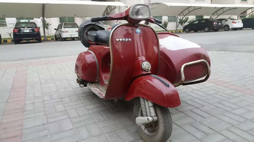 Vespa with side car 0