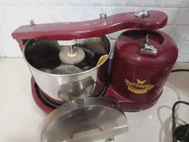 Butterfly wet grinder working good condition  looking  New