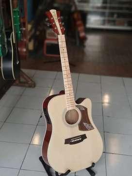 Gitar akustik murah tinggal dicolokin ampli