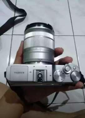Kamera Fujifilm XA3 siap pakai