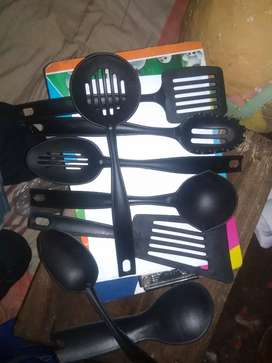 Kitchen use iteam in 1 set 8 pice will come it is pure plastic