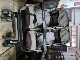 Made in Italy Peg Perego Twin Pram/Stroller. Excellent condition!