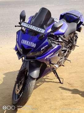 Yamaha r 15 v3..new condition no scratch..