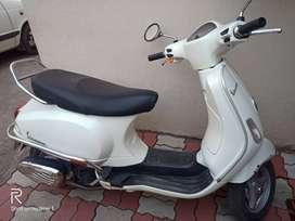 Vespa Piaggio Scooter