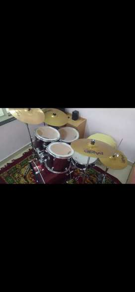 Mapex Voyager Drum Set with Paiste 101 Cymbals (Price Can be Managed)