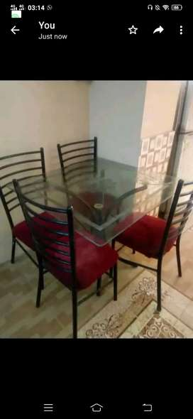 M/N 4/chairs wth table... 7000