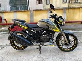Apache RTR 200 Rv