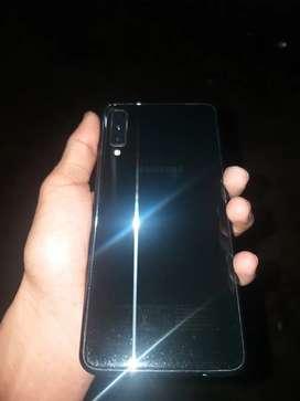 Urgent sell Samsung Galaxy a7 (6-128)
