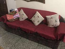 ७ seater sofa सेट, ( १ piece ३ seater and २ pieces २ seater )