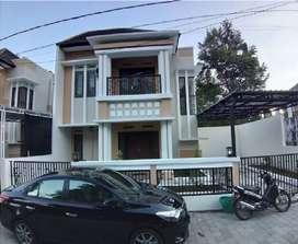 Rumah Full Furnish Disewakan Dekat Jalan Raya Tajem