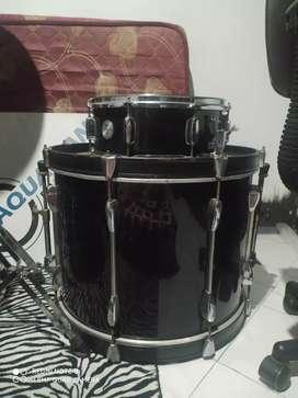 Bass drum pearl hitam