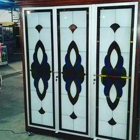 Lemari Pakaian 3 Pintu Aluminium Jati Kaca Lukis