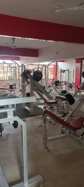 Runing gym with equipment on rent