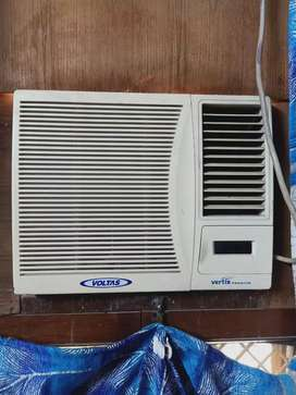 Voltas window AC 0.8 ton (1ton approx)