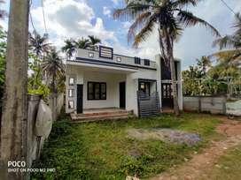 4 cent 900 sqft 2 bhk house at paravur near vaniyakkad