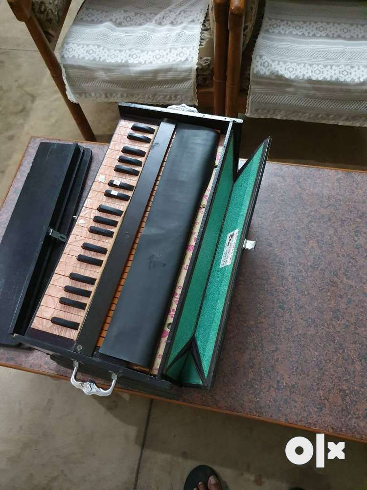 Harmonium,Sparingly used,Almost brand new,Air fitted and Tuned,Lucknow