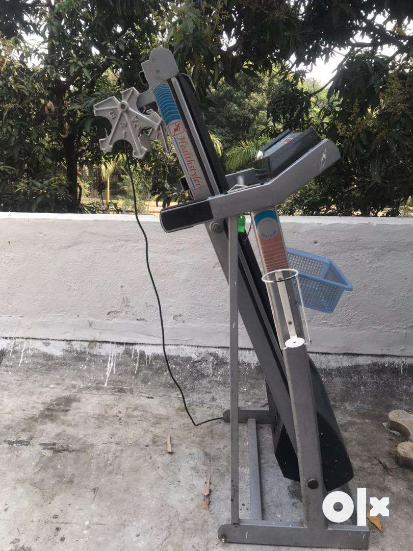 Healthstyler treadmill in very good and wroking condition available