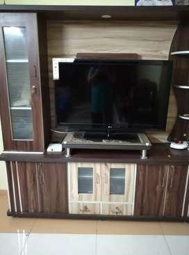 TV sho case