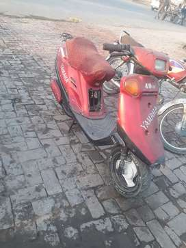 Yamaha scooty 49cc. Japan assemble. Good for girls and boys.