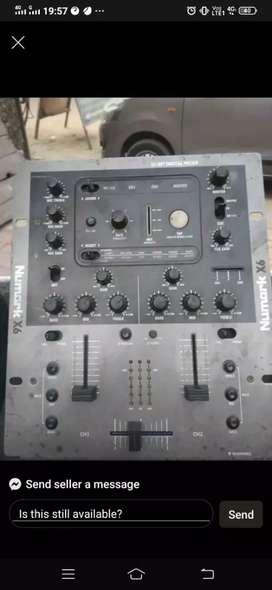 DJ and sound mixer sela