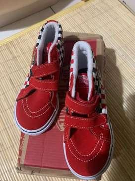 Sepatu vans anak